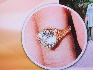 miley-cyrus-engagement-ring-300x225